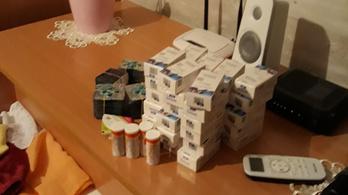 10 gramm amfetamin, 500 adag potencianövelő, 168 lőszer
