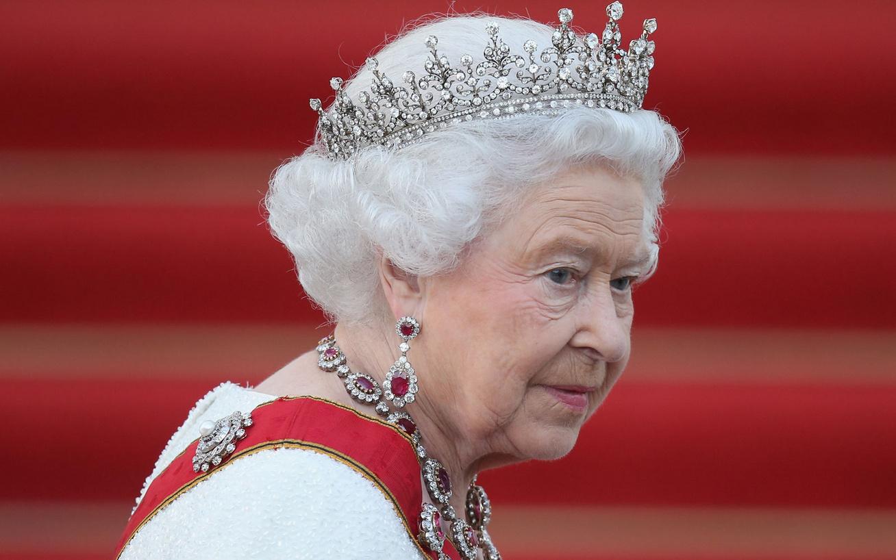 erzsébet-királynő-cover