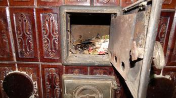 Széfnek használta a cserépkályhát az idős férfi, akit kiraboltak Fóton