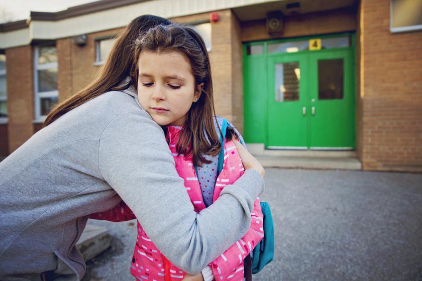 Az iskolaundor, és ami mögötte van: komoly oka is lehet, ha a gyerek nem akar suliba menni