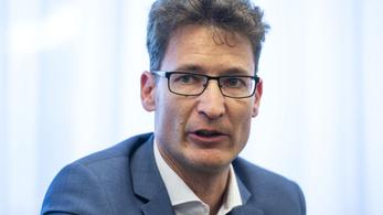 Cser-Palkovics: Nem azt kellett volna mondani, hogy az ellenfél alkalmatlan