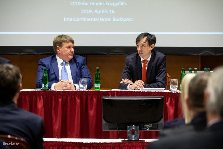 Richter Attila (j) a Magyar Tenisz Szövetség közgyűlésén 2019 április 16-án