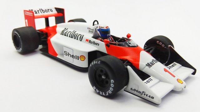 Matricázás – McLaren MP4/3