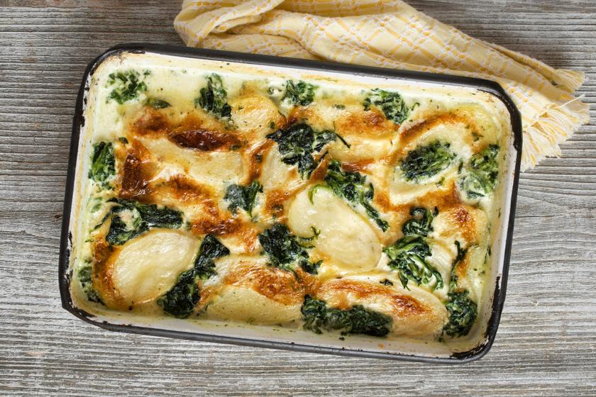 Spenótos-krumplis gratin fokhagymás, tejszínes szósszal és sok sajttal