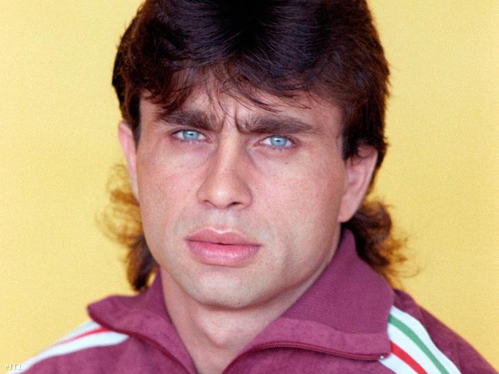 Csengeri Kálmán súlyemelő a XXIV. Nyári Olimpiai Játékokra készülő magyar csapat tagjaként 1988. augusztus 25-én
