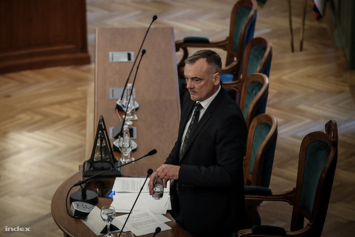 Borkai Zsolt a győri önkormányzat alakuló ülésén 2019. november 7-én