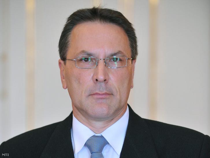 Nánási László címzetes fellebbviteli főügyészségi ügyész