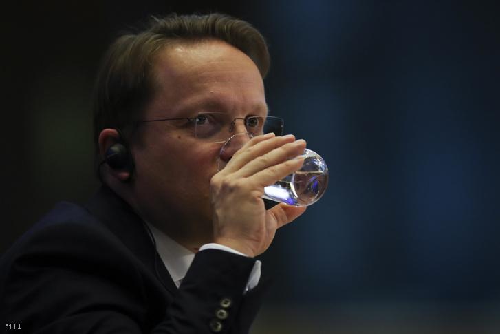 A bővítési és szomszédságpolitikai uniós biztosnak jelölt Várhelyi Olivér az Európai Parlament (EP) külügyi szakbizottságának meghallgatásán, Brüsszelben, 2019. november 14-én.