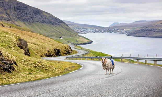 A túl sok turista miatt két napra be kell zárni a Feröer-szigeteket