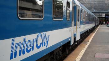 A Budapest-Szeged vonalon gyorsítanának napi 2 IC-n, de emiatt széteshet a menetrend