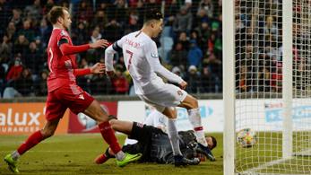 Ronaldo élete legkönnyebb gólját szerezte, Portugália kijutott az Eb-re
