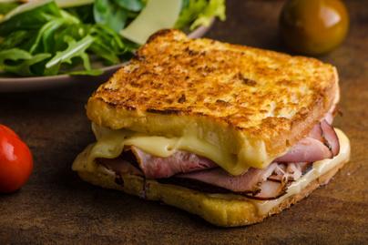 sajtos-sonkas-bundas-kenyer