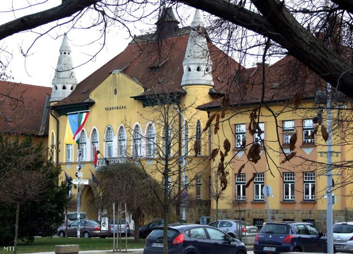 Budafok-Tétény Polgármesteri Hivatalának épülete a főváros XXII. kerületében, a Városház téren