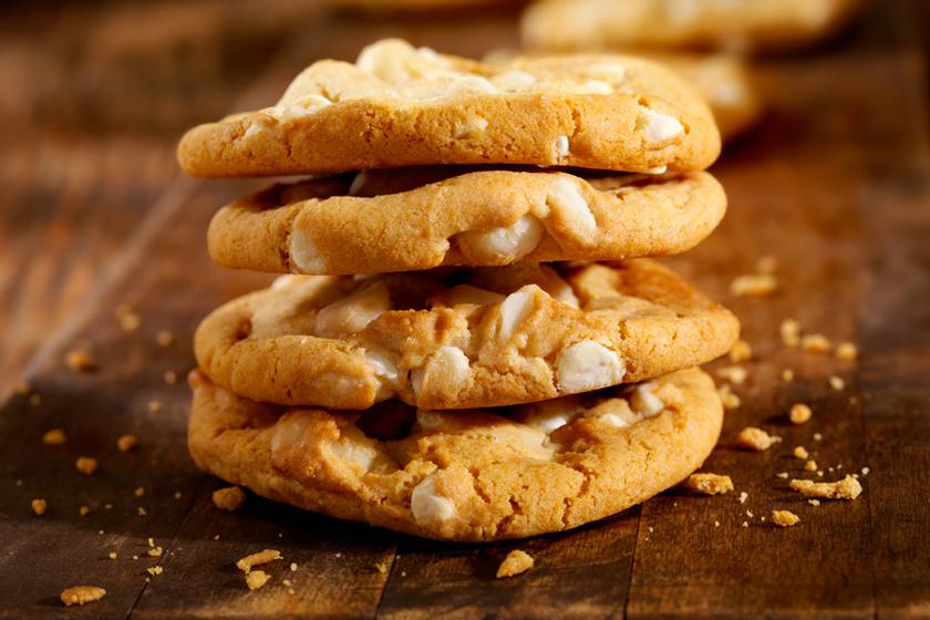 Omlós fehér csokis keksz lime-mal: kívül ropog, belül krémes