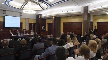 Elfogadhatja a Párbeszéd alaptörvény-módosítási javaslatát a kormányoldal