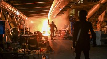 Különösen erőszakos volt az éjszaka Hongkongban