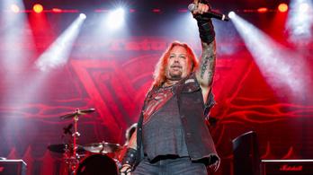 Újra turnéra indul a Mötley Crüe