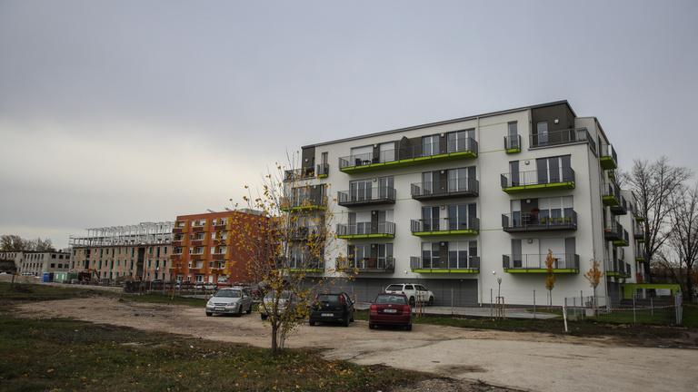 Mercedesvárosban a szovjet laktanya is megszépült