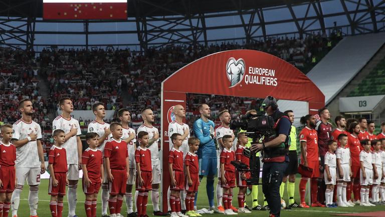 A stadionunk már legyőzte Walest, most a pályán kéne nyerni