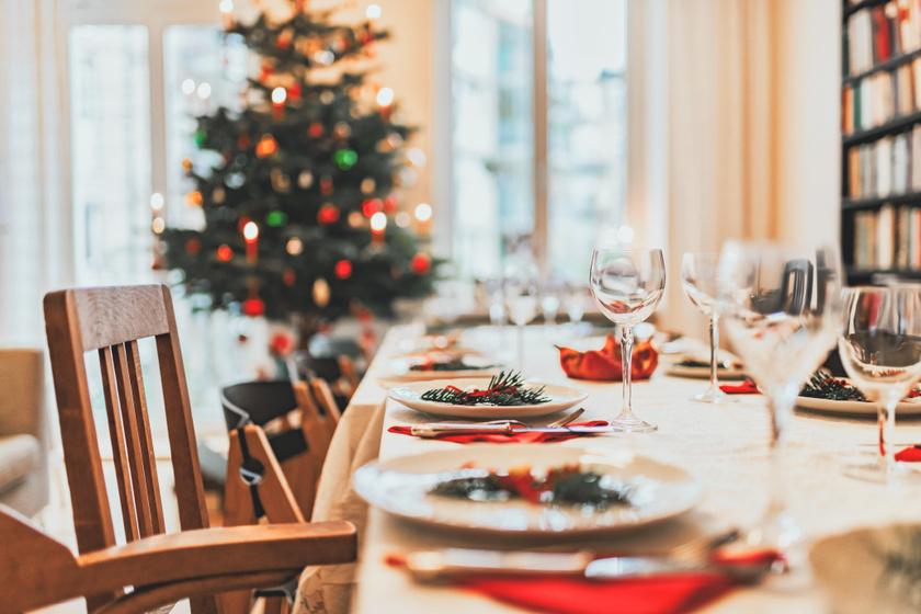 A világ legbizarrabb karácsonyi ételei magyar szemmel: a bálnabőrtől a pirított kukacig