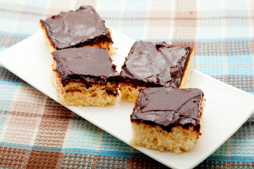Álomfinom kókuszos, csokis süti: csak keverj össze mindent