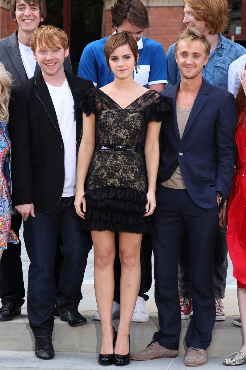 Rupert Grint (balra) vallott Emma Watson és Tom Felton kapcsolatáról.