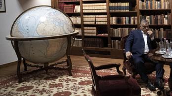 Gyönyörű földgömbje van Orbánnak, csak egy kicsit labanc