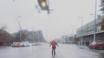 Le kellett zárni az Üllői utat, hogy le tudjon szállni a mentőhelikopter egy hároméves gyerekkel