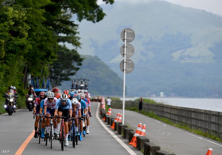 Kerékpárosok a tokió olimpia 2019-es tesztversenyén