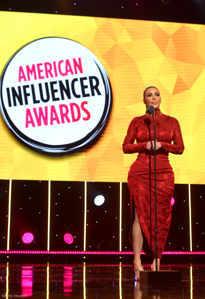 Hétfő este második alkalommal rendezték meg az American Influenszer Awardsot, aminek az elnevezése magáért beszél: Amerika influenszerei díjazták itt egymást
