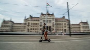Kitiltják a Kossuth térről az elektromos rollereket