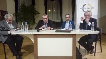Európát sokkal nagyobb veszély fenyegeti, mint a migráció