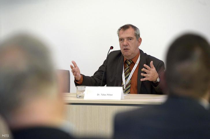 Tálas Péter egy 2015-ös konferencián a Nemzeti Közszolgálati Egyetemen Ludovika Campusán
