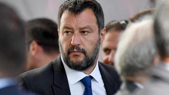 Enyhíthetik Salvini menekülteket szívató intézkedéseit
