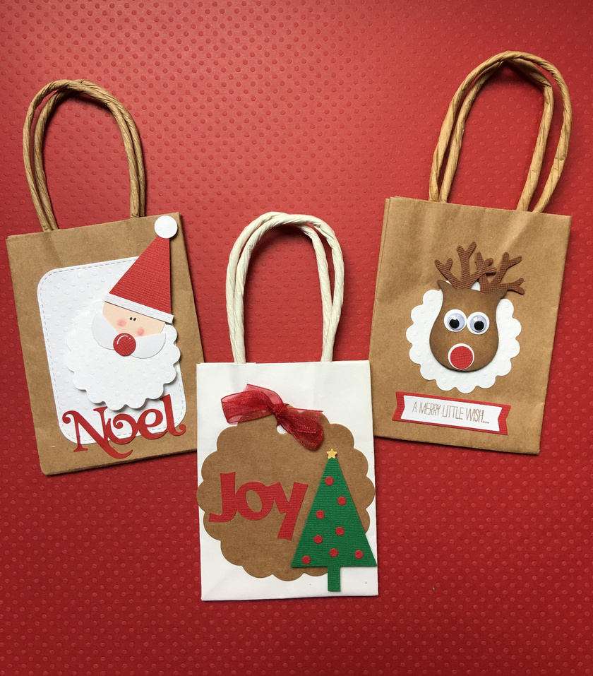 Ha nincs sok időd, ezt a cuki ötletet gyorsan és könnyedén megvalósíthatod. Szerezz be pár papírzacskót, amiket különböző mikulásos és karácsonyi mintákkal díszíthetsz: készítsd el Rudolfot, a Mikulás szarvasát vagy akár magát a Télapót. A gyerekeknek tutira tetszik majd!