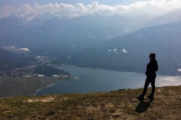 Vogar-gerinc, kilátással a tóra