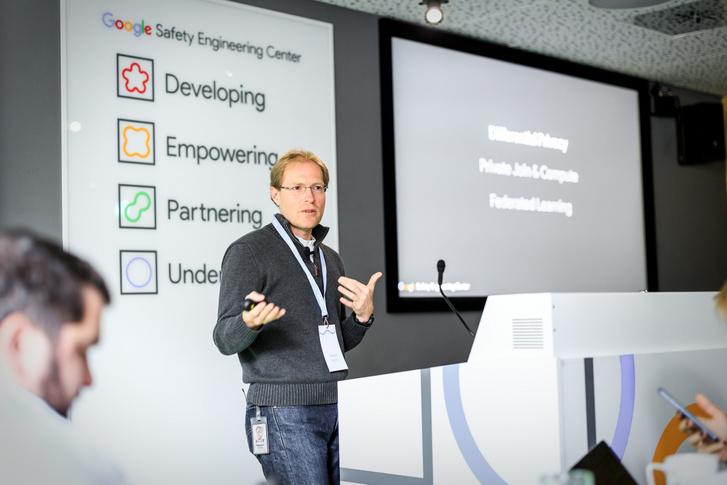 Stephan Micklitz, a GSEC vezetője