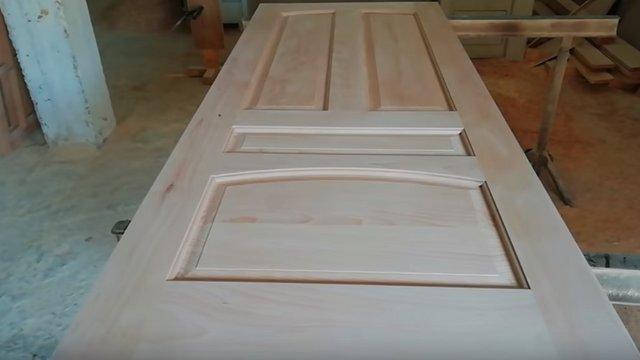 Tömör fa ajtó építése