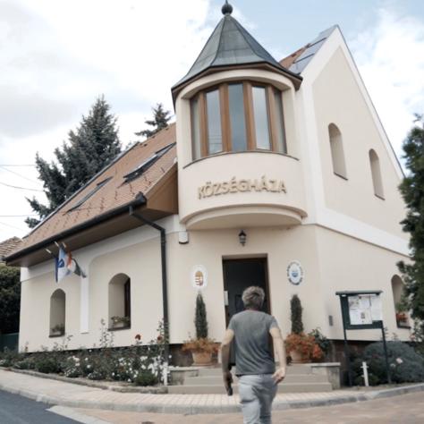 Kamugyógyító, vezérigazgató és bukott polgármester is rástartolt Szepezdre