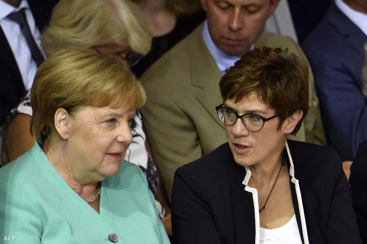 Angela Merkel és Annegret Kramp-Karrenbauer