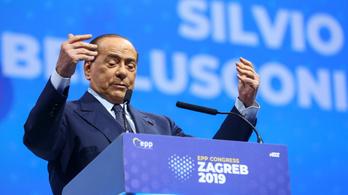 Balesetet szenvedett Silvio Berlusconi