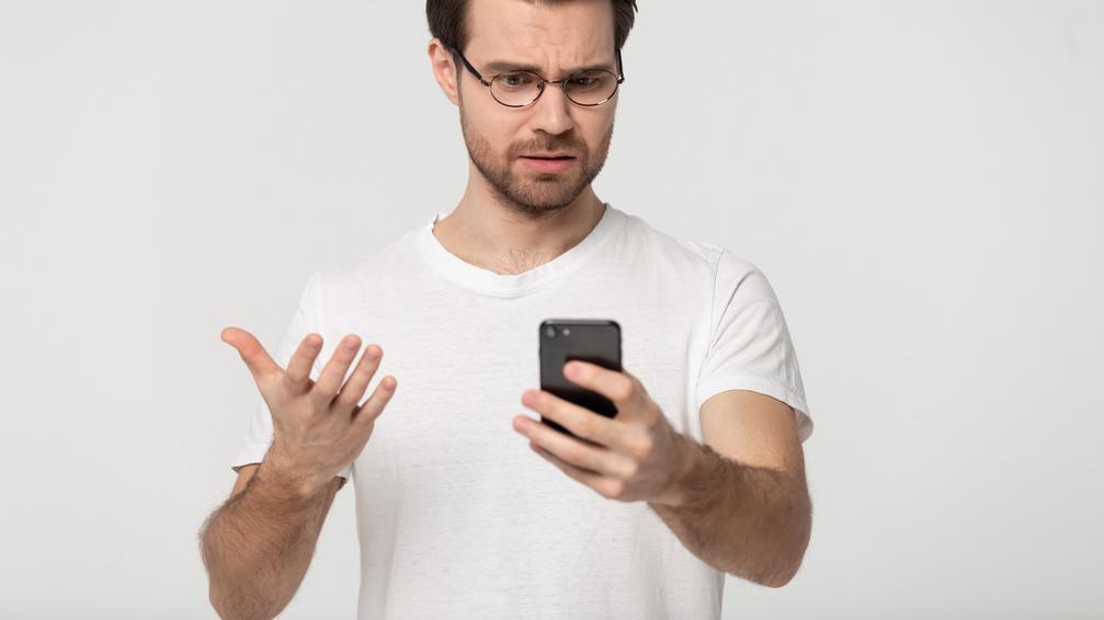 Online társkereső üzenetekre való válaszadás