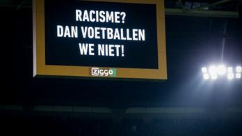 A futballisták egy percig megtagadták a játékot az Ajax meccsén