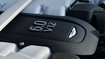 Egyelőre mégsem hal ki a V12-es motor