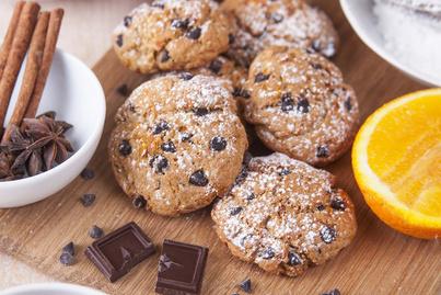 Narancsos, csokis keksz villámgyorsan, egyszerűen: ezzel töltsd meg a karácsonyi dobozt