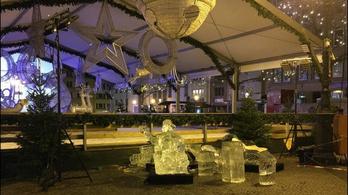 A mentőben meghalt az a kisgyerek, akire rázuhant egy jégszobor Luxemburgban