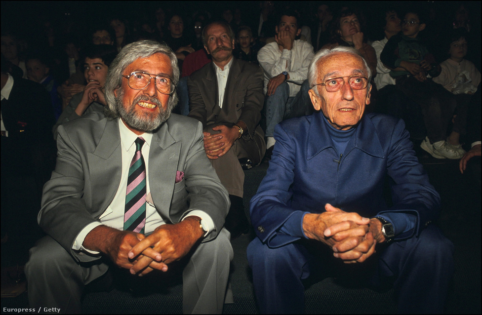 Idősebb és ifjabb Cousteau, egy párizsi kiállításmegnyitón.