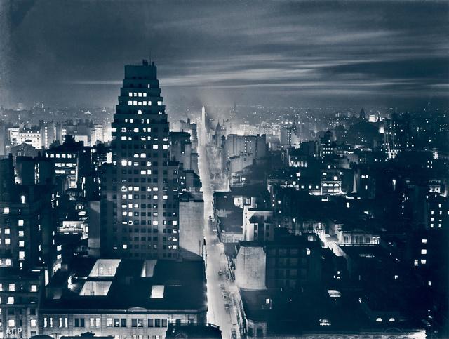 Coppola fotója a Buenos Aires-i Calle Corrientes-ről