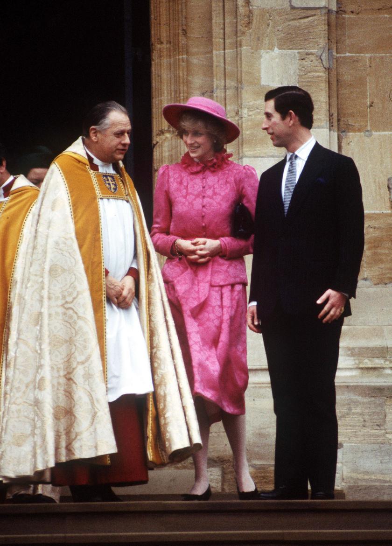 Diana hercegnő 1982 karácsonyán egy rózsaszín kabátruhát választott a hagyományos ünnepi misére.