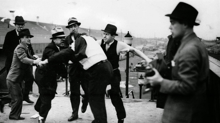 Battle of the Overpass, Harry Bennett gorillái vs UAW